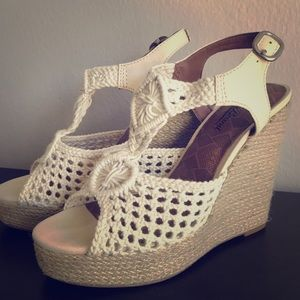 Lucky Brand Natural Wedges